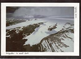 A 4 - KERGUELEN - LE MONT COOK - ( Lucia Simion ) Dimensions - Size - En Mm 140x207 - - TAAF : Terres Australes Antarctiques Françaises