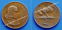 SOUTH AFRICA SUID AFRIKA 2 Cents 1967 BLACK WILDEBEEST (Afrikaans Legend) - South Africa