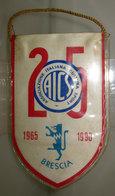 GAGLIARDETTO AICS BRESCIA 1965 - 1990 8,5 X 14 CM. - Soccer