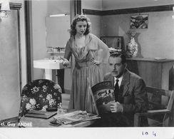 Photo Cinéma, Feuilleton TV 1955 (?) Artiste: Douglas Fairbanks Jr - Film Et Partenaire à Identifier - Cliché Guy André - Personalità