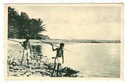 MICRONESIE - CAROLINES Petit Canaques Guettant Les Poissons - Micronésie