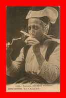 Gouézec * Fumeuse  ( Costume Et Coiffe )  ( Scan Recto Et Verso ) - Gouézec