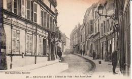88.NEU3 - NEUFCHATEAU -   L' Hôtel De Ville , Rue Saint-Jean - Neufchateau