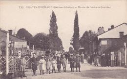 CPA 71 @ CHATEAURENAUD - Route De LONS Le Saunier - Groupe D'enfants Au Passage à Niveau Près Louhans - France