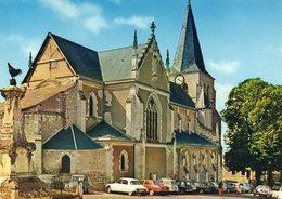 Pouilly-sur-Loire. L'Eglise. Automobiles Citroën DS, 2 CV, Peugeot 504 Etc. - Autres Communes