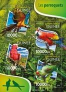 GUINEA 2015 SHEET PARROTS PERROQUETS LOROS PAPAGAIOS PAPAGEIEN PAPPAGALLI BIRDS OISEAUX AVES Gu15524a - Guinea (1958-...)
