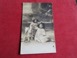 Enfant Jouant Avec La Poupée,Children Playing With Her Doll - Juegos Y Juguetes