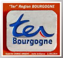 "SUPER PIN'S TRANSPORTS- Région BOURGOGNE ""TER"" En Zamac Argent Etat Luxe, Clou Serti, Format 2,3X1,8cm - Trasporti"