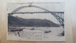 LA ROCHE-BERNARD. Un Brick-goëlette Remorqué Sous Le Pont Suspendu. - La Roche-Bernard