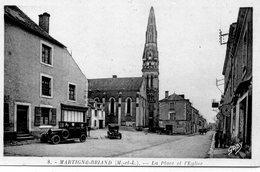 Martigné-Briand Animée La Place De L'Eglise Belles Voitures Anciennes Commerces - Sonstige Gemeinden