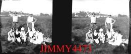 Plaque Photo De Verre En Stéréo - Une Famille Dans La Campagne De NANCY 54 Meurthe Et Moselle - Scans Négatif-Positif - Glass Slides