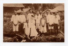 - CPA RUANDA-URUNDI - Le Père COLLE Au Milieu De Ses Nouveaux Baptisés - Edition Ern. Thill N° 19 - - Ruanda-Urundi