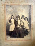 """Fotografia """"Ritratto Di Famiglia - Fotografo Valdeavellano, Guatemala EL SIGLIO XX Calle De Oriente"""" Guatemala 1898 - Persone Identificate"""
