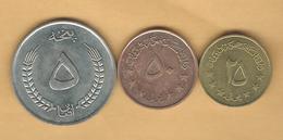 Afghanistan - Republic - 1973: 25 Pul (KM975); 50 Pul (KM976); 5 Afghani (KM977) - Afghanistan