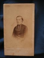 Photo CDV  Truchelut à Besancon  Portrait  Religieux, Curé (Abbé Colard)  CA 1865 - L413 - Photos