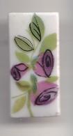 Pin's A.M. En Porcelaine De Limoges Fleur Réf 8163 - Badges