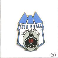 Pin's Pompiers - SP De Nogent Le Rotrou (28). Estampillé Badges Impact. EGF. T629-20 - Pompiers