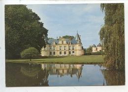 Savigné L'Evêque : Château Du Mesnil Côté Est (cp Vierge N°4889  Jipé) - France