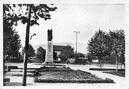 Annemasse - Le Square, Le Monument Aux Morts Et Le Salève - Annemasse