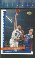 NBA UPPER DECK TRADING CARD BASKET 1993 SIGNATURE MOVES - N° 241 - SWEEPING HOOK - BRAD DAUGHERTY - Singles (Simples)