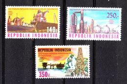 Indonesia - 1985. Estrazione Del Petrolio E Raffineria. Oil Extraction And Refinery. Complete MNH Set - Fabbriche E Imprese