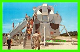 SPACE CENTER, FL - JOHN F. KENNEDY SPACE CENTER, LUNAR MODULE, ANIMATED  - - Etats-Unis