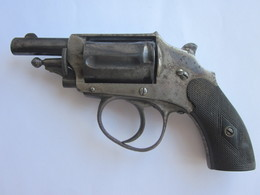 PETIT REVOLVER POUR BRICOLEUR - Sammlerwaffen