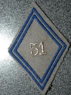 ECUSSON TISSUS  ARMEE  FRANCAISE   LOSANGE     51 REGIMENT - Patches