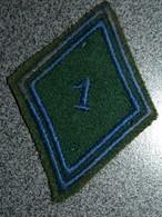 ECUSSON TISSUS  ARMEE  FRANCAISE   LOSANGE  1  REGIMENT - Patches