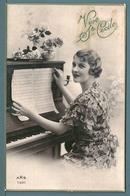 CP - JEUNE FEMME ET PIANO - STE CÉCILE - Femmes