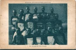 A.O.F    Mission D' OUAGADOUGOU  ( Burkina Faso )  Anciennement ( Hte Volta )   Groupe De Fille Mossis . - Burkina Faso