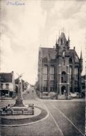 Stekene Gemeentehuis En Standbeeld - Stekene
