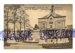 Bourg-Léopold. Camp De Beverloo. Hôtel De Ville Et Monument. Gemeentehuis En Denkmaal. 1929. Edit. Loosvelt-Adeline - Leopoldsburg (Camp De Beverloo)