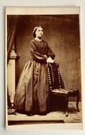Cdv Carte De Visite, Victorian Lady With Chair, Crinoline Dress. C1850s/60s. ?  UK - Photos