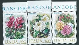 Italia 1982; Fiori D' Italia: Garofani, Camelie, Ciclamini. Serie Completa Di Bordo Superiore. - 6. 1946-.. Republic