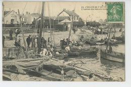 SAINT GILLES CROIX DE VIE - L'Arrivée Des Bateaux Sur Le... (cachet Aux Dos OEUVRE DES COLONIES SCOLAIRES DE VACANCES ) - Saint Gilles Croix De Vie