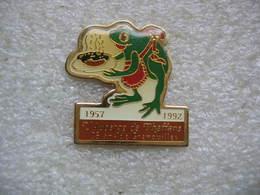 Pin's De L'auberge De PHAFFANS (Dépt 90). 35 Ans De Grenouilles 1957-1992 - Food