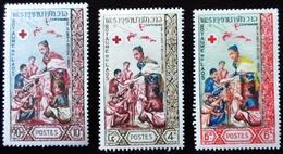 1963 Laos Yt 90, 91, 92 . Centenary Of The Red Cross Neufs Petites Traces Charnières TBE - Laos