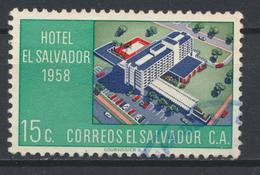 °°° EL SALVADOR - Y&T N°651 - 1958 °°° - El Salvador