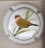 PLACA DE CAVA CAL LLUSIA DE UN PAJARO-BIRD  (CAPSULE) PICO DE CORAL SENEGALES - Placas De Cava