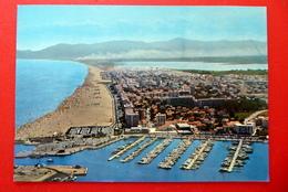 Canet En Roussillon - Strand - Yachthafen - Frankreich - Jacht Hafen - Canet En Roussillon