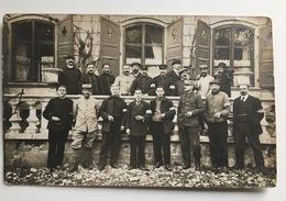 AK Photo Franzosische Civilisten Et Soldats Brassard Kepi ?10520?EST ?train? - Oorlog 1914-18