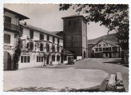 ASCAIN - 1952--La Place,l'église Et L'Hôtel De La Rhune Où Pierre Loti écrivit Ramuntcho --timbre -Beau Cachet - Ascain