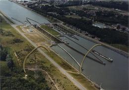 Hasselt   Sluis:  Albertkanaal    --  18 X 12.5  Cm - Lugares