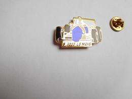 Superbe Pin's En EGF , Auto Course F3000 , Formule 3000 , Le Mans , Sarthe , Signé EMC , Bleu - Pin's
