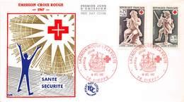 FRANCE ENVELOPPE 1 JOUR La Croix-Rouge  Dieppe Le 10.11.1967 - FDC