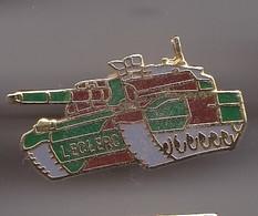 Pin's Char Leclerc  Réf 8326 - Militaria