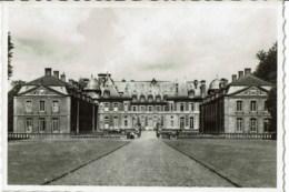 Beloeil  Le Chateau   Vu   De L'entrée - Beloeil