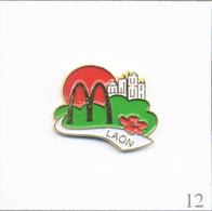 Pin's Alimentaire - Restaurant / Mc Donald's De Lyon (69). Estampillé MDB. Métal Peint. T636-12 - Food