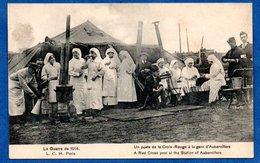 Aubervillers -  Un Poste De La Croix Rouge à La Gare - Aubervilliers